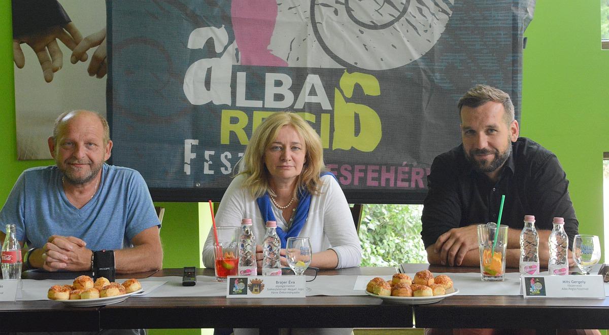 A fesztiválról Brájer Éva alpolgármester, valamint Mits Gergely és Vörös Tamás főszervezők tájékoztattak
