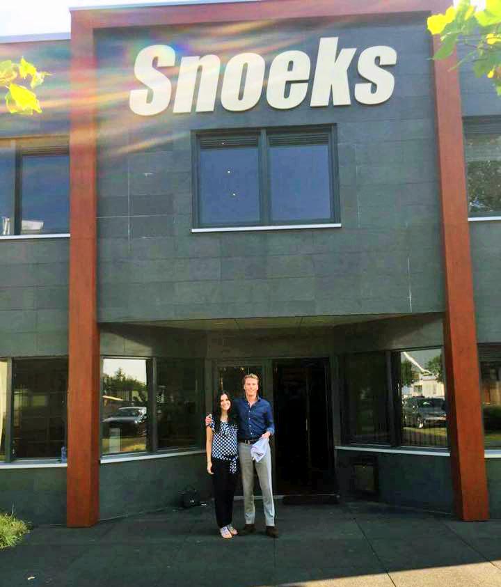 Regina a Snoeks Automotive-ban is látogatást tett