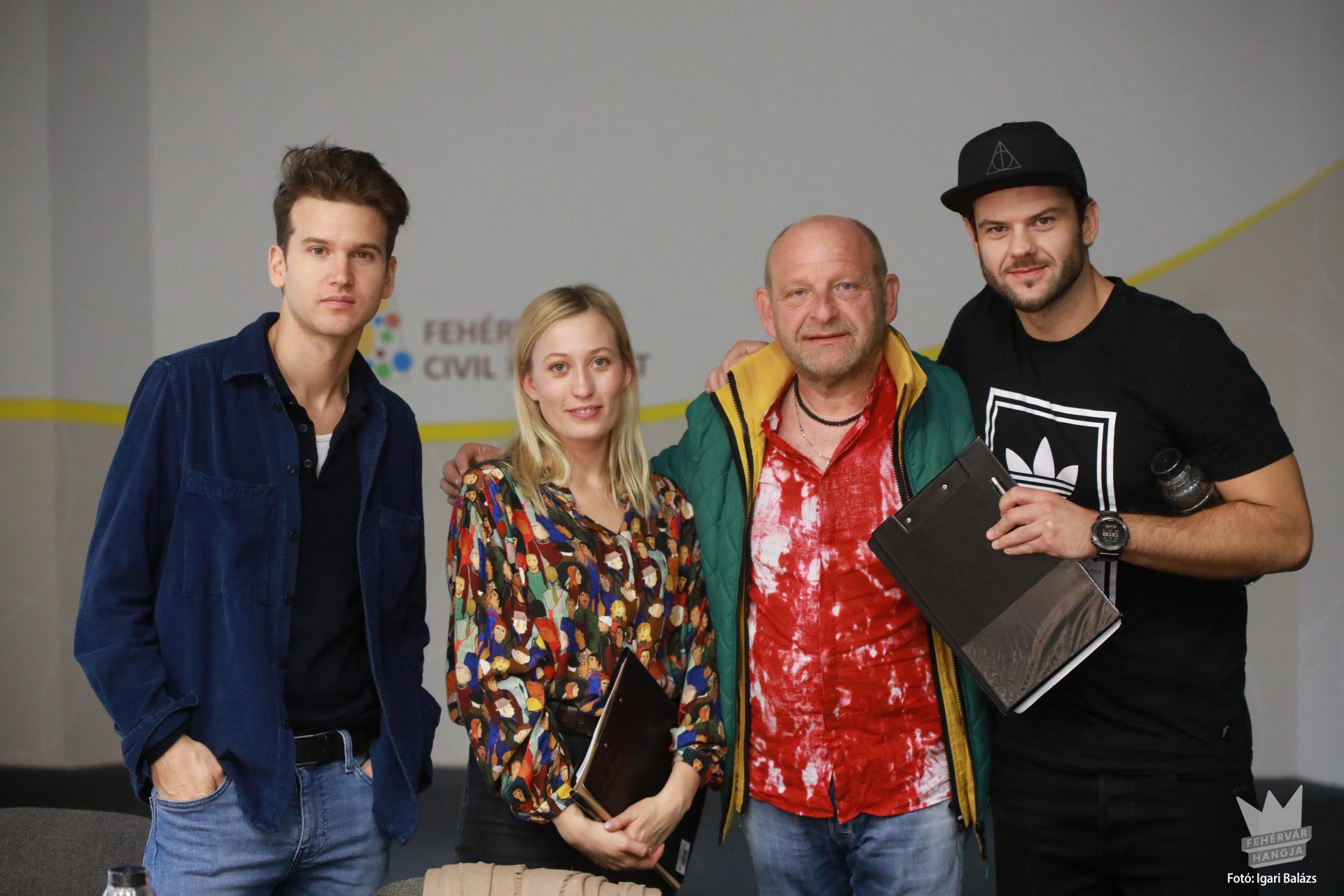 A zsűri: Jancsó Gábor, Schoblocher Barbara, Vörös Tamás és Szakács Gergő
